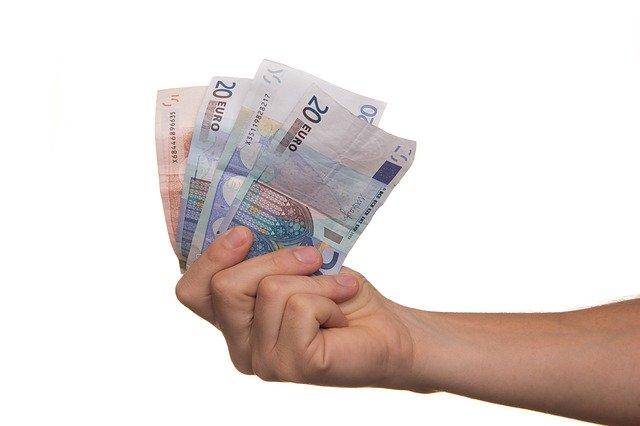 Kto pożyczy pieniądze osobie potrzebującej